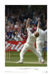 England V New Zealand, Third Test, Trent Bridge 2004. Andrew Flintoff celebrates taking the wicket of Stephen Fleming. This Stunning limited edition hand signed print captures Flintoff celebrating and is a fitting tribute to the former England Captain and one of the finest all rounders in world cricket.