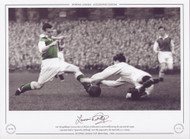East Fife goalkeeper Curran, dives at the feet of Hibernian's Lawrie Reilly during the 1953 Scottish League Cup Semi Final at Tynecastle, Edinburgh. East Fife progressed to the Final with a 3-2 victory.