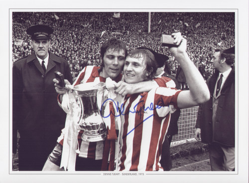 Sunderland's Dennis Tueart celebrates with the cup after the 1973 FA Cup Final, Sunderland went on to clinch a memorable 1-0 victory over Leeds United.  Iconic image and great value.