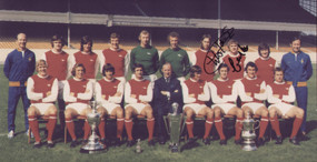 """Arsenal Double Winners 1971. The photograph is 12"""" x 8"""" (305mm x 205mm) and has been signed by Charlie George & Eddie Kelly."""