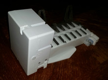 General Electric IceMaker  WR30X28702 CAN01-021  New Oem