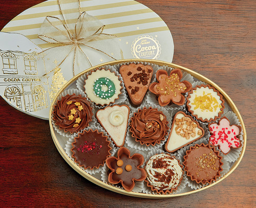 7298 Cocoa Couture Christmas Oval with Luxury Belgian Chocolates