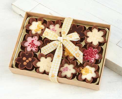 Mini Fluted Chocolate Cups - Cocoa Couture