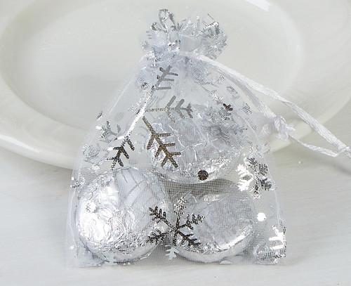 5047 Snowflake Organza Bag with Mint Chocolates