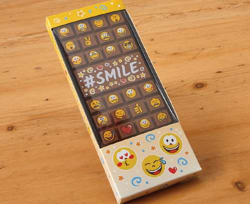 7751 Milk Chocolate Smile Gift Pack