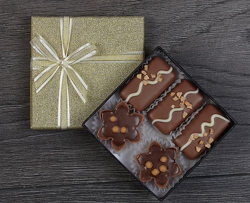 Luxury Caramel Collection in Gold Sparkle Box