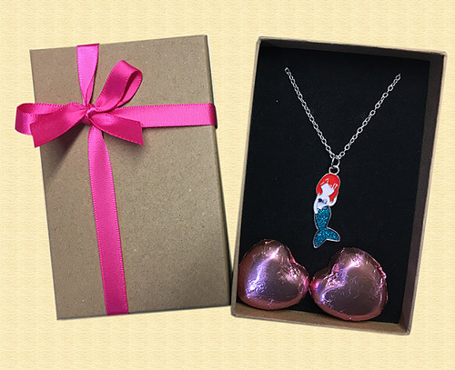 Mermaid Necklace with Milk Chocolate Hearts