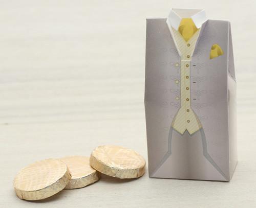 Wedding Tuxedo with plain chocolate mint crisps Code 2414