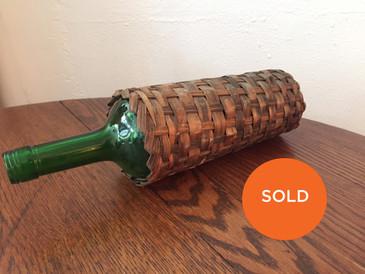 A Vintage Basket for your Bottle