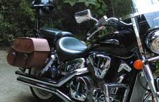 07 Honda VTX w/ Odin Series Leather Saddlebags