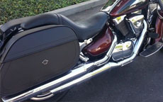 Dan's '00 Suzuki Intruder 1500 w/ Hammer Series Leathe Saddlebags