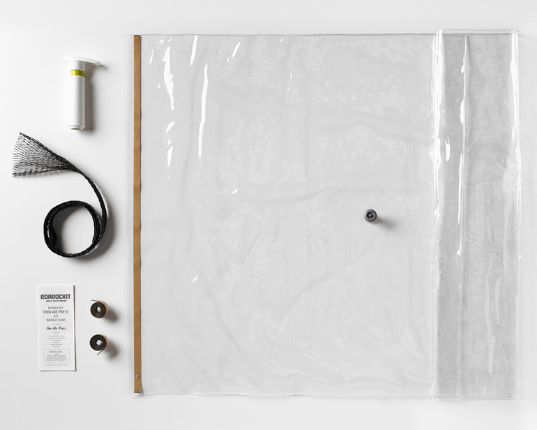The Roarockit Thin Air Press Kit Parts: vacuum bag with seal and one-way valve, Super Pump, breather, extra seals and illustrated instructions TEMPORARILY OUT OF STOCK