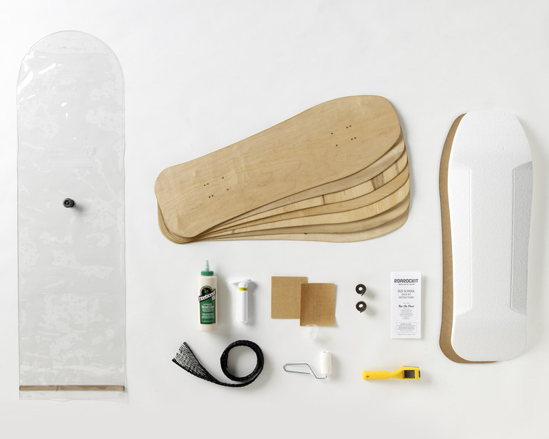 Kit contains everything you need to make one Old-School style skateboard: 100% Canadian maple veneer sheets, mold for shaping, glue, roller, Thin Air Press and finishing tools