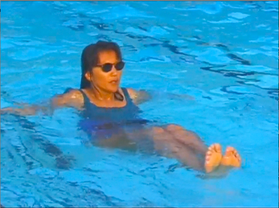 Doing Sit Up Crunches during WaterGym Water Aerobics
