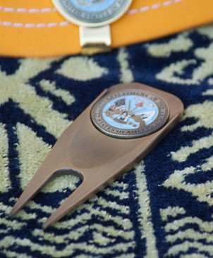 United States Dept of the Army - Ball Marker & Divot Tool