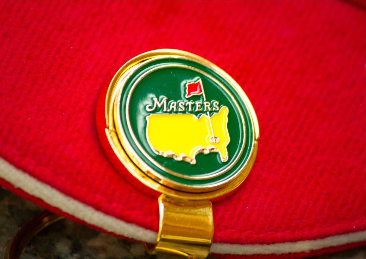 Masters Championship Ball Marker & Hat Clip Green Solid  From Classic Golf of South Carolina    Photo     Masters Ball Marker & Hat Clip!  Approximately the size of a quarter with NO stem. Direct from the grounds of Augusta .  Check our store listing   Free Shipping