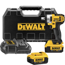 "DeWalt DCF880M2 20V MAX* 1/2"" Impact Wrench Kit"