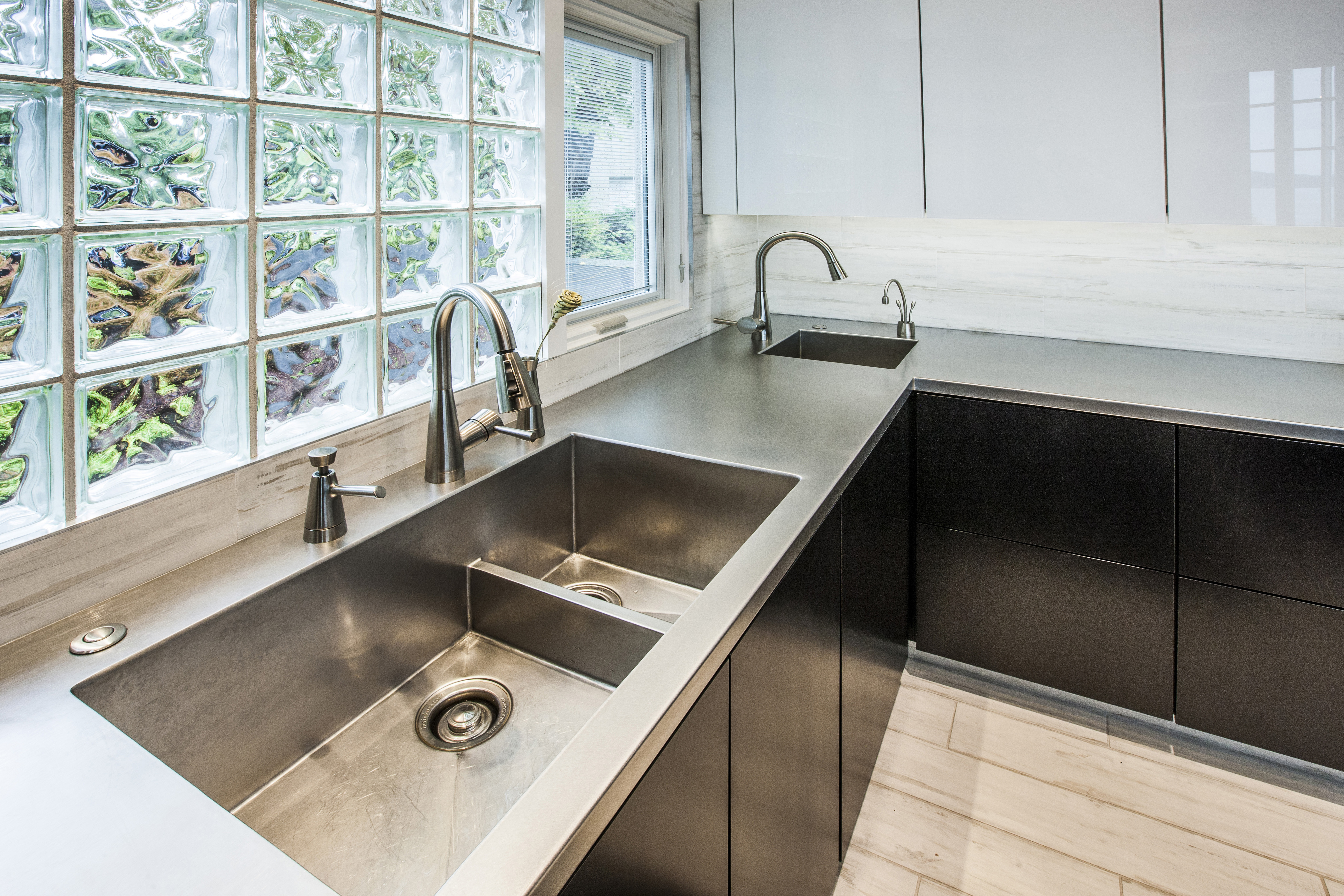 Custom Zinc Kitchen Sink - Rustica House ®