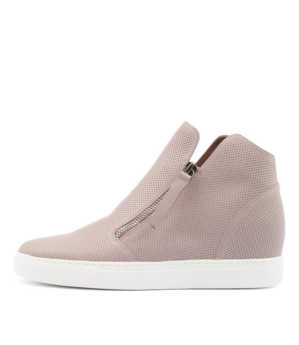 2584cc28ef69 GISELE Sneakers in Pale Pink Leather - Django and Juliette