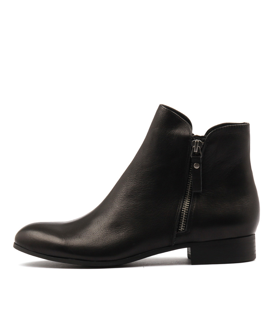 ee044d5f753a4 FABIAN Ankle Boots in Black Leather - Django and Juliette