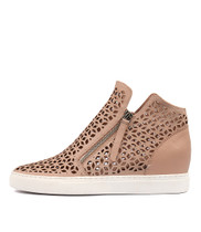 GAVEN Sneakers in Pale Pink Leather