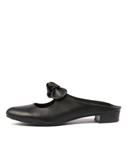 EFAZE Flats in Black Leather
