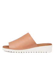 MERRIES Flatform Sandals in Cantaloupe Leather