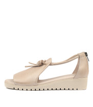 MELVIN Flatform Sandals in Nude Leather