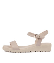 MARYLEE Sandals in Pale Pink Leather