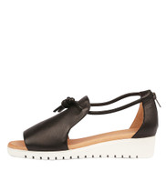 MELVIN Flatform Sandals in Black Leather
