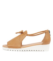 MELVIN Flatform Sandals in Dark Tan Leather