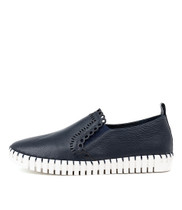 HANNAN Flats in Navy Leather