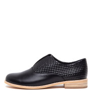 ADAN Flats in Black Leather