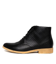 KAUAI Ankle Boots in Black Leather