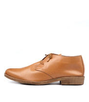 KARAF Flats in Tan Leather