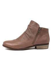 SPLIT Ankle Boots in Taupe Leather