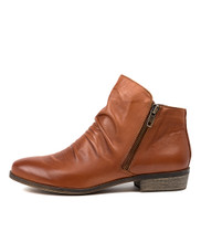 SPLIT Ankle Boots in Cognac Leather
