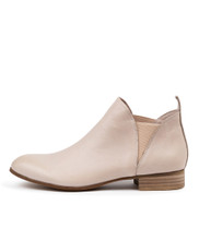 FOE Ankle Boots in Nude Leather