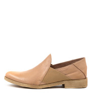 KEFECT Flats in Latte leather