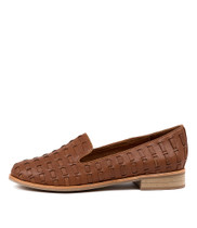 ARNO Flats in Tan Leather