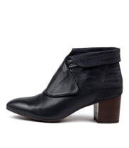 RAYANS Ankle Boot in Navy Metal Leather