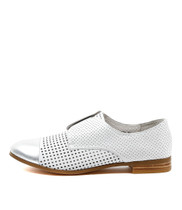 JACCA Flats in Silver/ White Leather
