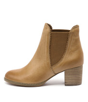 SADORE Ankle Boots in Tan Leather