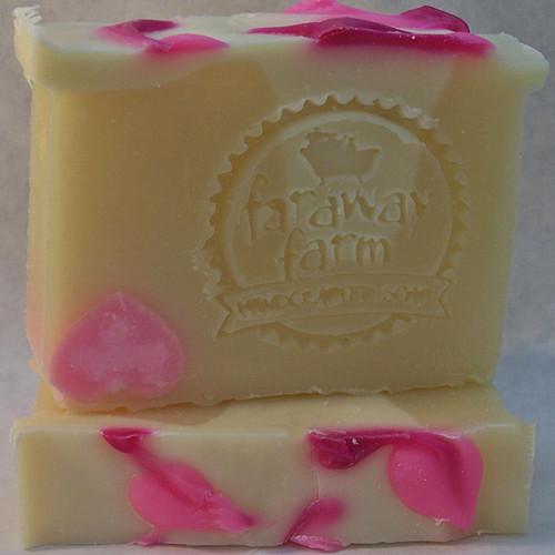 Hidden Heart Lotsa Lather Soap