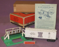 3472 Automatic Refrigerator Car w/ Stand (7++/OB)