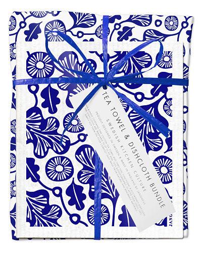 Bundle with 1 tea towel and 2 matching dishcloths oak leaf blue