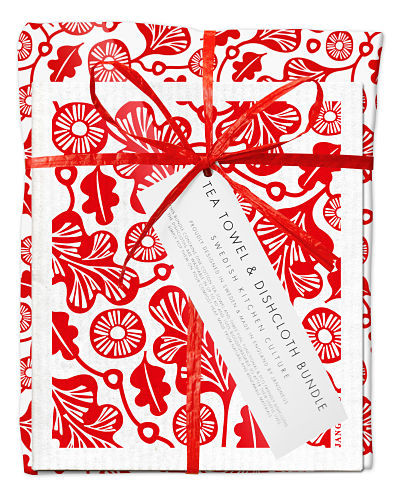 Bundle with 1 tea towel and 2 matching dishcloths oak leaf red