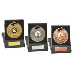 TW20-033-1225CG / 70mm Gold Football Medal in Case