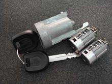 2000-2004 Mitsubishi Spyder Ignition and Door Locks