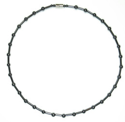 Hematite Sticks n Stones - Magnetic Necklace
